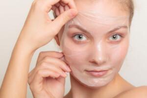 झाइयां किस विटामिन की कमी से होती है? freckles